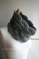 Grey_Aran_Cowl_3_medium2.jpg